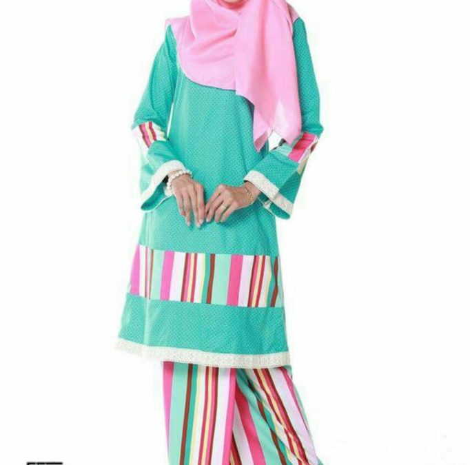 baju-kurung-pahang-moden-cotton-polkadot-lace-hijau-turqoise-CE04